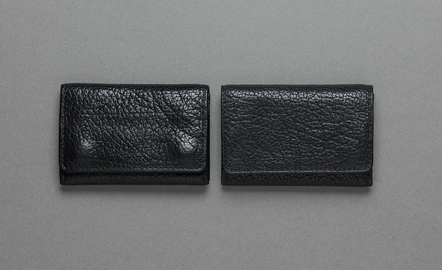 エイジング比較 左はM.K様の小銭入れ 右は未使用品