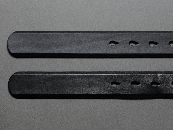 track_キーケース01_藍鉄の新品と並べた時の印象