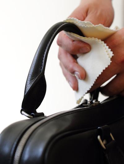 ハンドルの黒ずみを避けるため使用後はなるべく乾拭きを