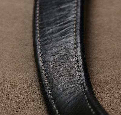 革がカサカサ乾燥した状態